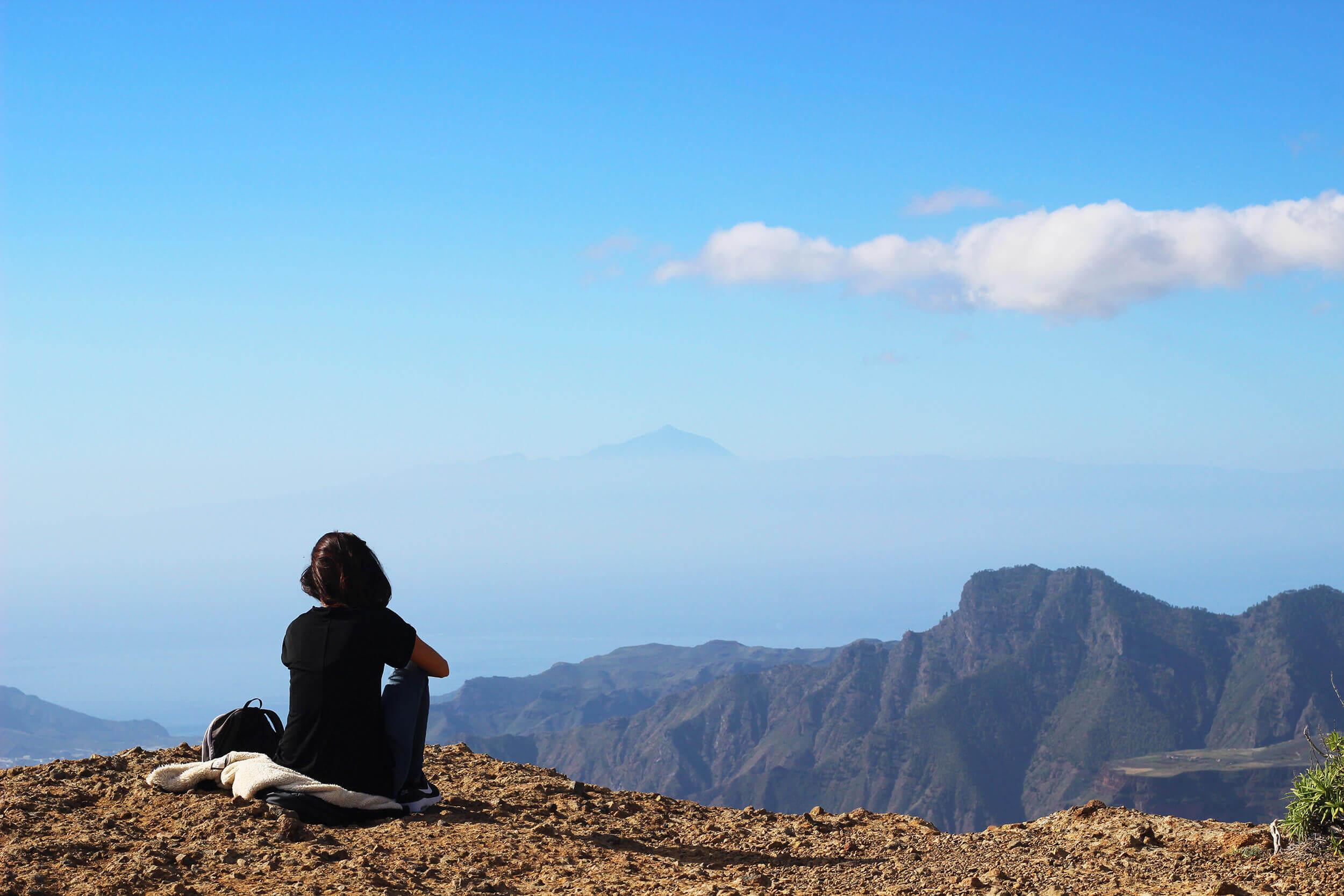 Vista de El Tedide desde la base del Roque Nublo.
