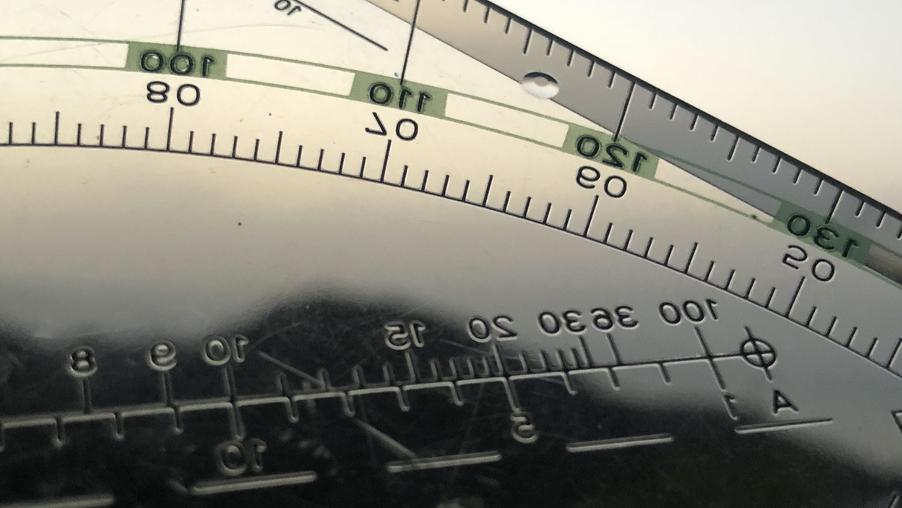 Herramientas para medición de ángulos, empleadas en la altura del Teide.